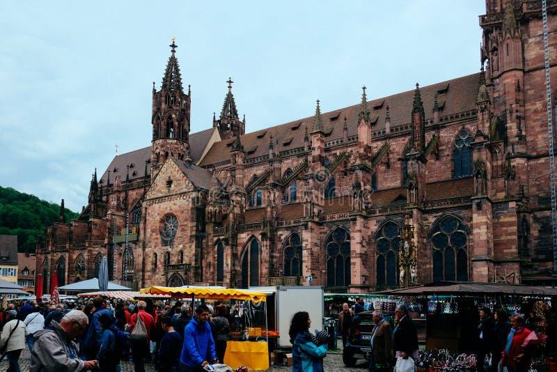 De Kathedraal Duitsland van de Freiburgmunster stock afbeeldingen
