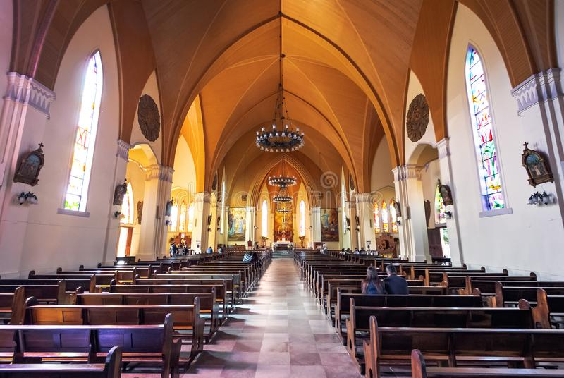 De Kathedraal van de Canelasteen Onze Dame van Lourdes kerkbinnenland - Canela, Rio Grande doet Sul, Brazilië royalty-vrije stock afbeeldingen