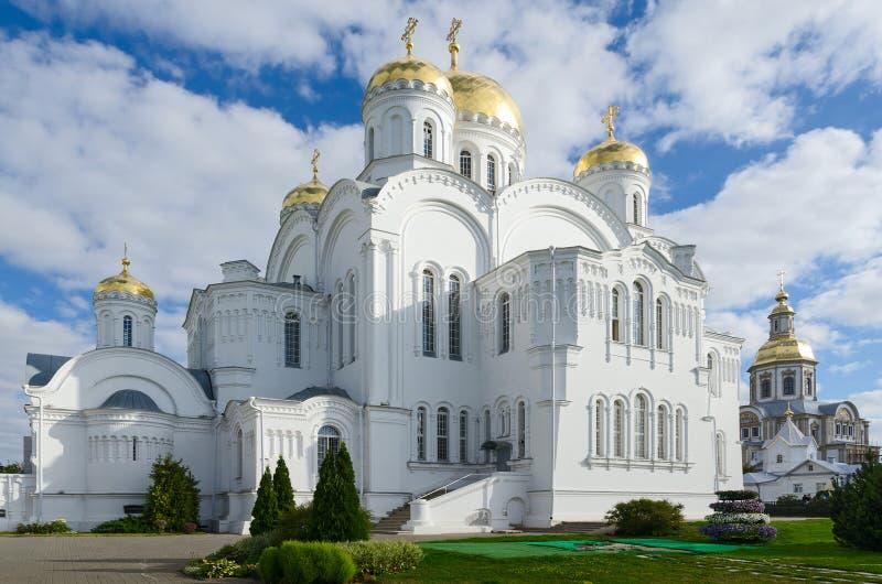 De Kathedraal van de Verlossertransfiguratie, Heilige Drievuldigheid serafijn-Diveevo royalty-vrije stock afbeelding