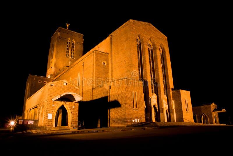 De Kathedraal van Guildford bij Nacht royalty-vrije stock fotografie