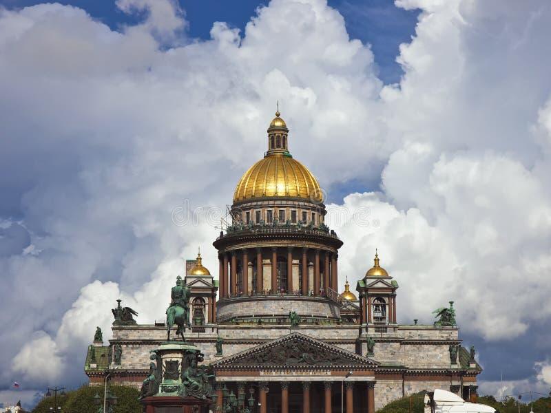 De kathedraal van heilige Isaac royalty-vrije stock afbeeldingen