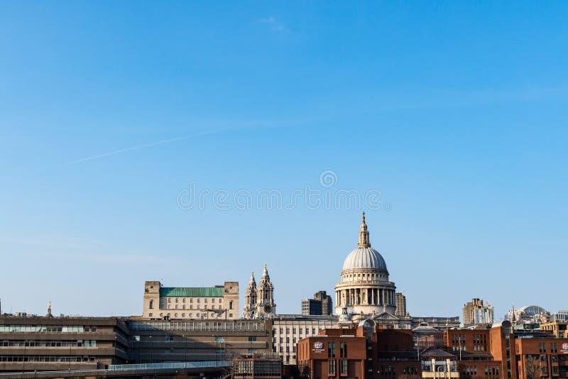 De Kathedraal van heilige Paul in Londen, het Verenigd Koninkrijk stock afbeeldingen