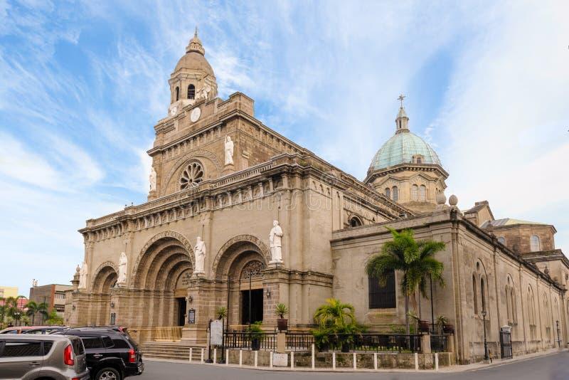 De Kathedraal van Manilla onder de blauwe hemel royalty-vrije stock foto