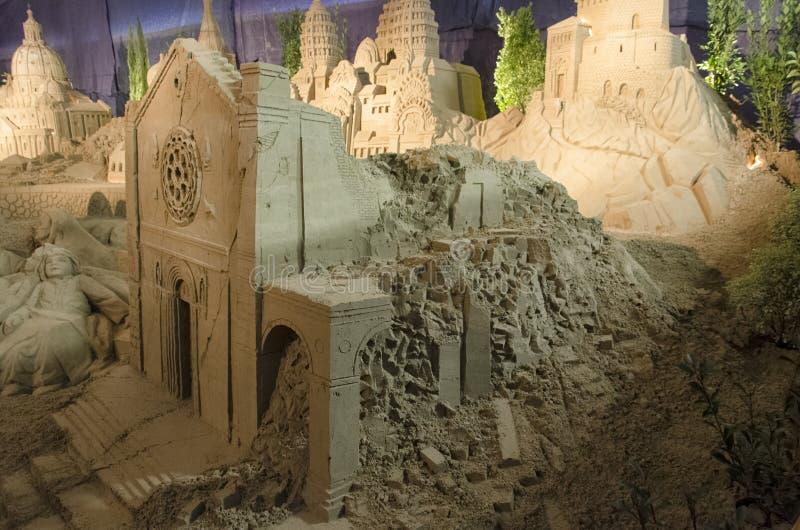 De kathedraal van Norcia door een aardbeving wordt vernietigd die royalty-vrije stock foto's