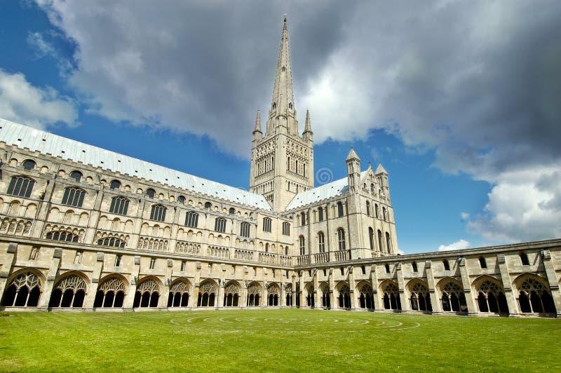 De kathedraal van Norwich, Engeland. stock afbeeldingen