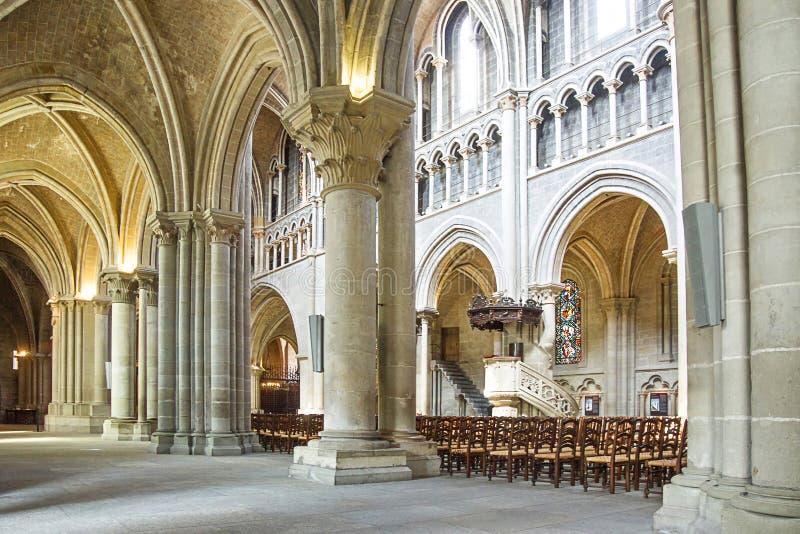 De Kathedraal van Notre Dame van de zaalbinnenland van Lausanne royalty-vrije stock foto's