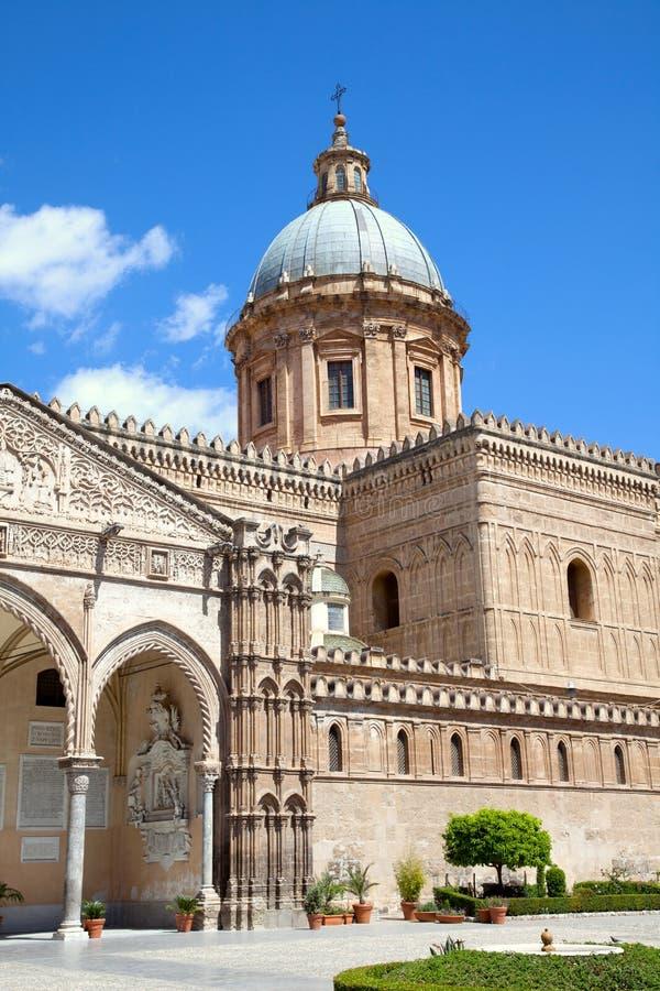 De kathedraal van Palermo. stock afbeeldingen