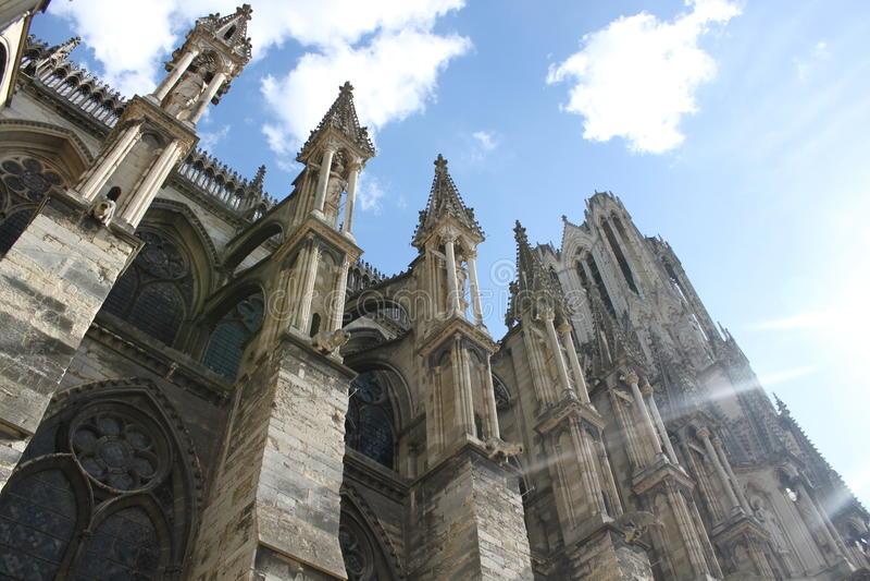 De Kathedraal van Reims in Frankrijk De gotische architectuur is schitterend royalty-vrije stock afbeeldingen