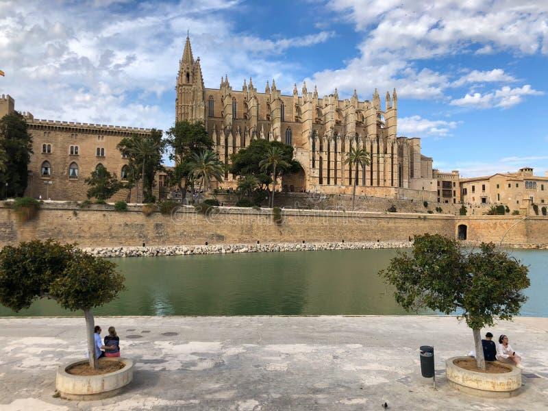 De kathedraal van Santa Maria van Palma Mallorca, La Seu, de gotische middeleeuwse kathedraal van Palma de Mallorca, Spanje royalty-vrije stock afbeelding