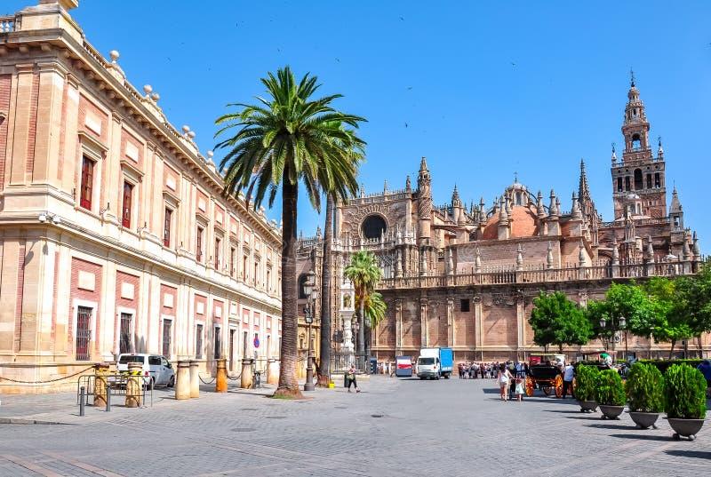 De Kathedraal van Sevilla en Archief van Brits-Indië Archivo General DE Indias, Spanje royalty-vrije stock foto's