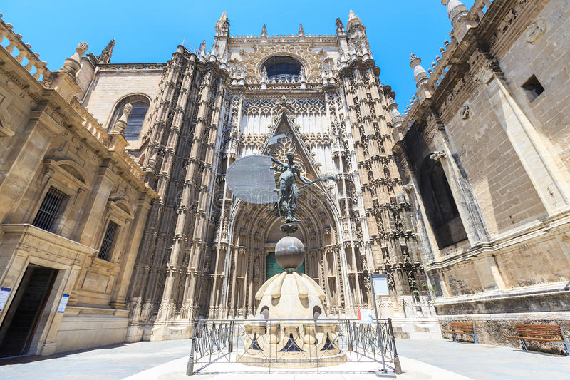 De Kathedraal van Sevilla (het Spaans: Catedral DE Santa Maria de la Sede), stock foto's