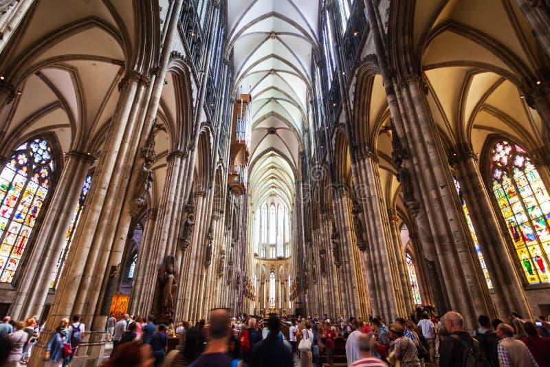 De Kathedraalbinnenland van Keulen in Duitsland royalty-vrije stock afbeelding