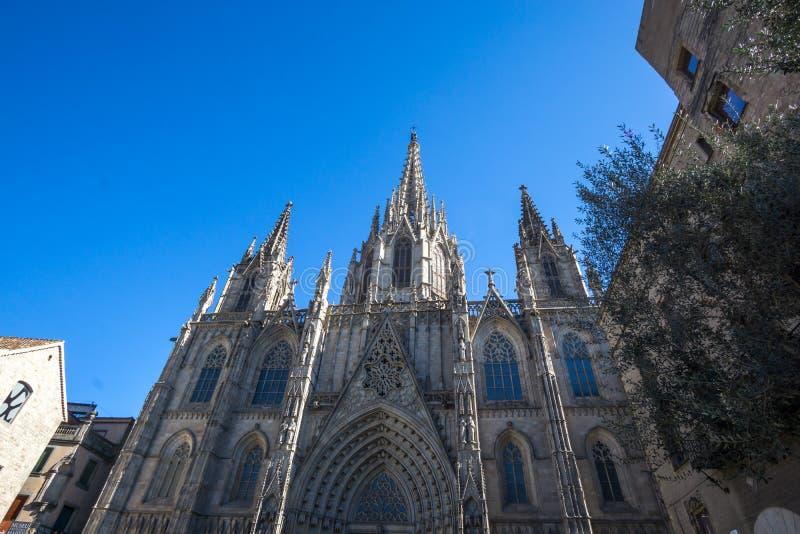De kathedraalbuitenkant van Barcelona stock afbeelding