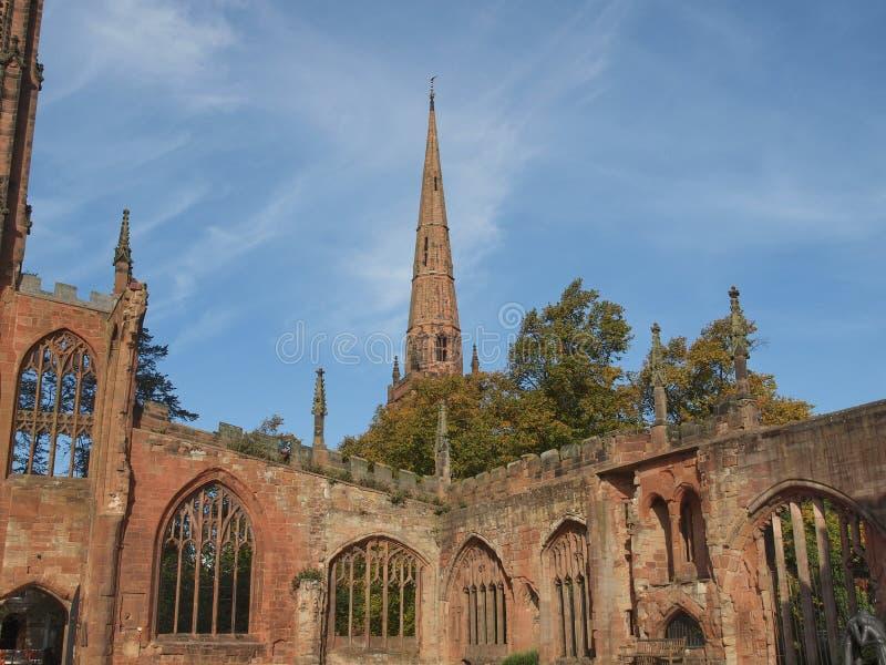 De Kathedraalruïnes van Coventry stock foto's