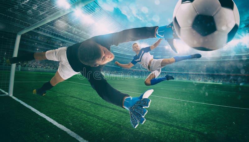 De keeper vangt de bal in het stadion tijdens een voetbalspel royalty-vrije stock afbeeldingen
