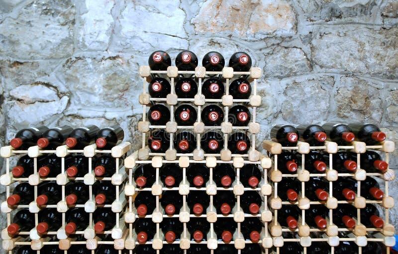 De kelderverdieping van de wijn royalty-vrije stock afbeelding