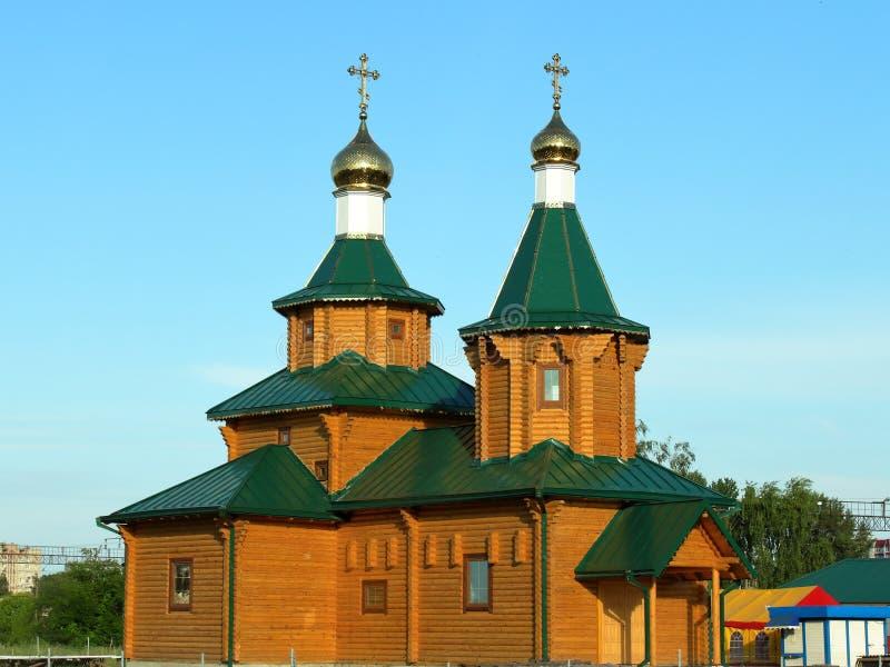 De kerk is houten, gouden royalty-vrije stock foto