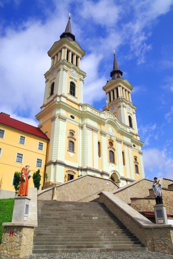 De kerk Maria Radna, ter ere van Heilige Maagdelijke Mary, Radna, Arad wordt gezegend die stock foto's
