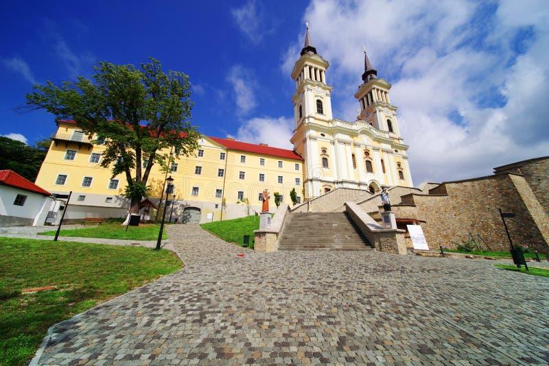 De kerk Maria Radna, ter ere van Heilige Maagdelijke Mary, Radna, Arad wordt gezegend die stock fotografie