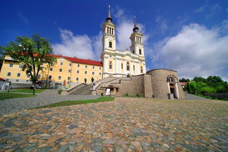 De kerk Maria Radna, ter ere van Heilige Maagdelijke Mary, Radna, Arad wordt gezegend die stock afbeeldingen