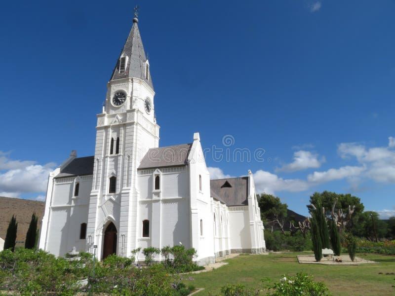 De Kerk nieu-Bethesda en de tuinen van de voorzijde royalty-vrije stock fotografie