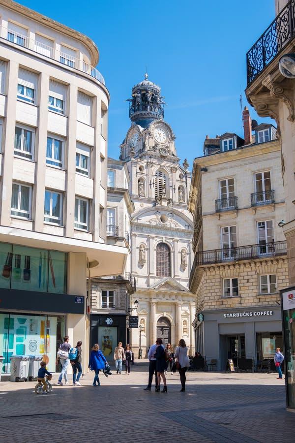 De kerk sainte-Croix of Eglise sainte-Croix in het centrum van Nantes, Frankrijk stock foto
