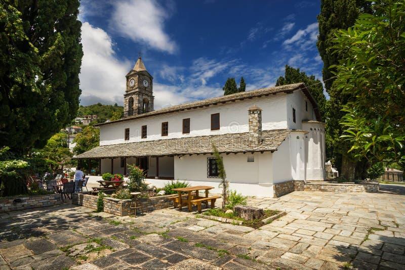 De kerk van Agiakiriaki in Zagora, Griekenland stock fotografie