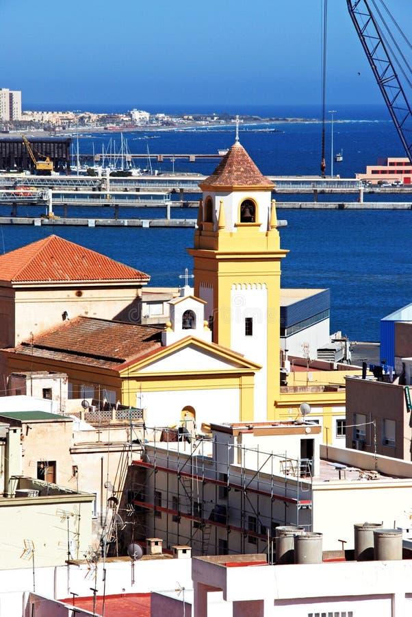 De kerk van Almeria en haven, Spanje stock fotografie