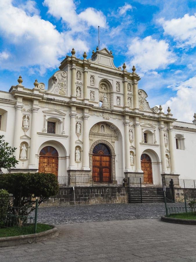 De kerk van Antiguaguatemala San Francisco Gr grande stock foto