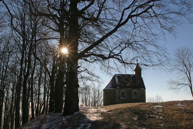 Download De kerk van de berg stock foto. Afbeelding bestaande uit heilig - 29500268