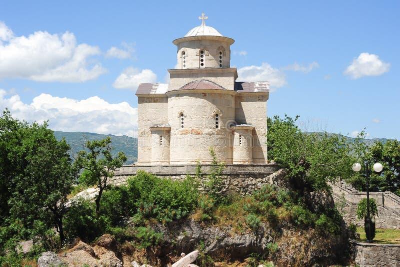 De kerk van de Heilige Drievuldigheid dichtbij Ostrof-klooster stock fotografie