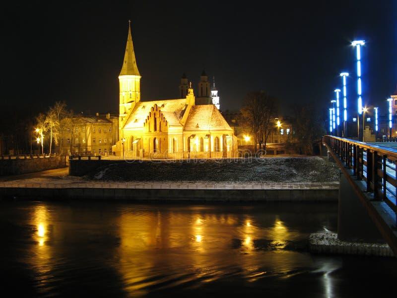 De kerk van de nacht royalty-vrije stock afbeelding