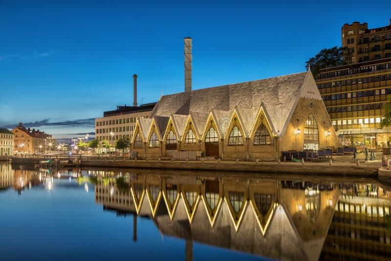 De kerk van Feskekorkavissen is een vissenmarkt in Gothenburg, Zweden stock foto's
