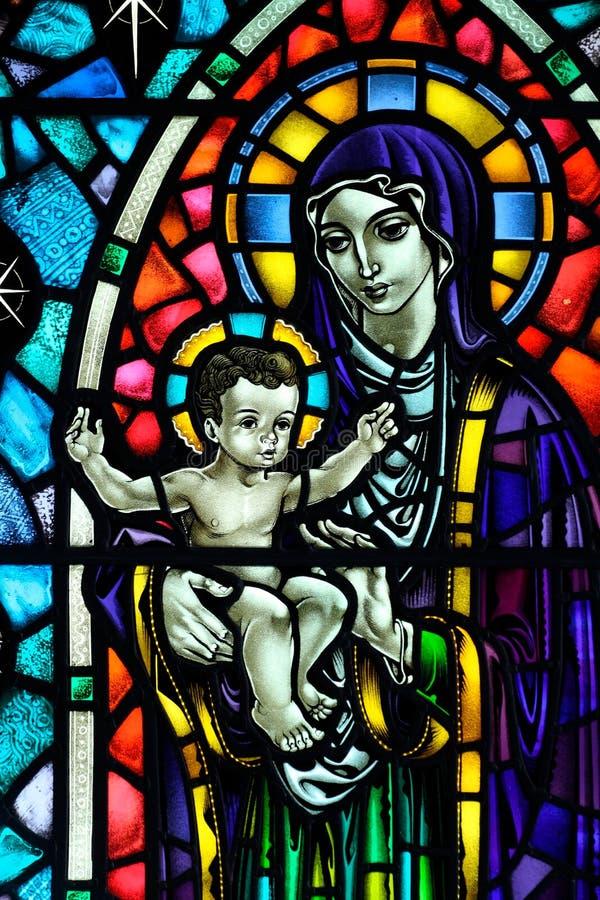 De kerk van Hallgrimskirja, Maria, leaded venster stock afbeelding