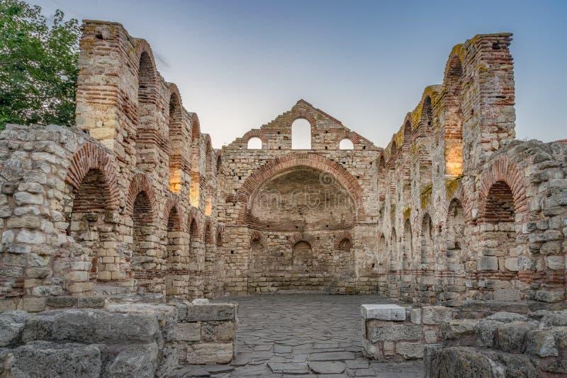 De Kerk van Heilige Sofia of Oud Bisdom bij zonsopgang in de oude stad van Nessebar Nesebar, Nesebr is een Unesco-Plaats van de W royalty-vrije stock fotografie