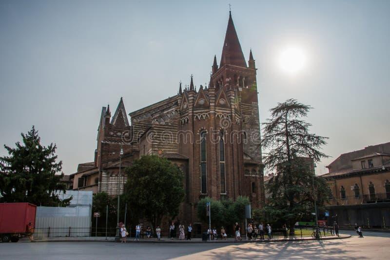 De kerk van de Heiligen Fermo en Rustico in Verona royalty-vrije stock foto's