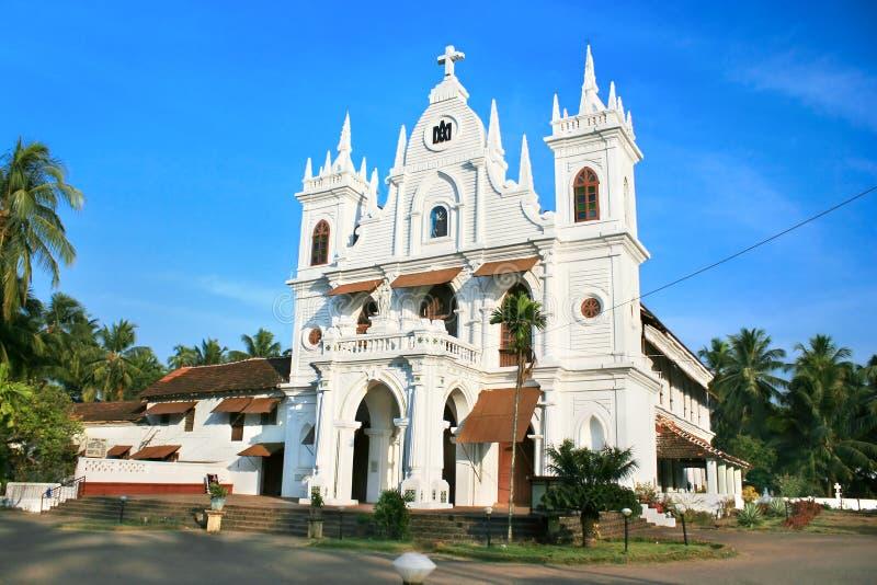 De Kerk van het dorp in zonsondergang, India royalty-vrije stock afbeeldingen