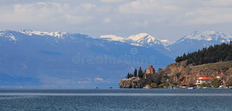 De Kerk van Jovan Kaneo van Sveti (Heilige) op Meer Ohrid stock fotografie