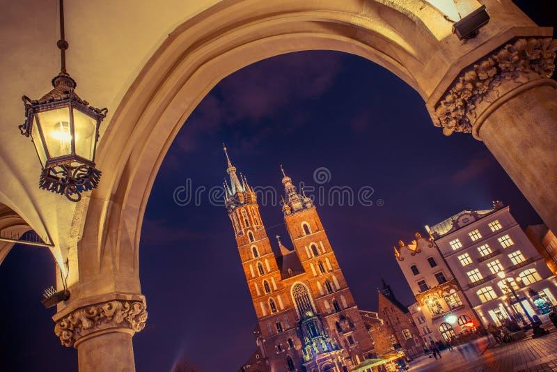 De Kerk van Krakau Mariacki royalty-vrije stock afbeelding