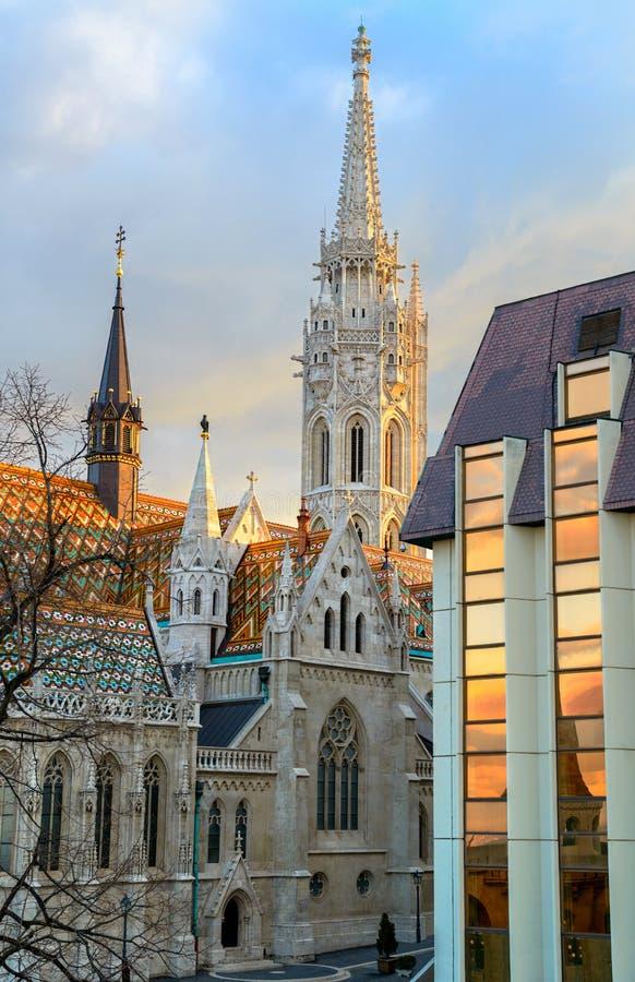 De kerk van Matthias in Buda Castle-district, Boedapest, Hongarije stock afbeelding