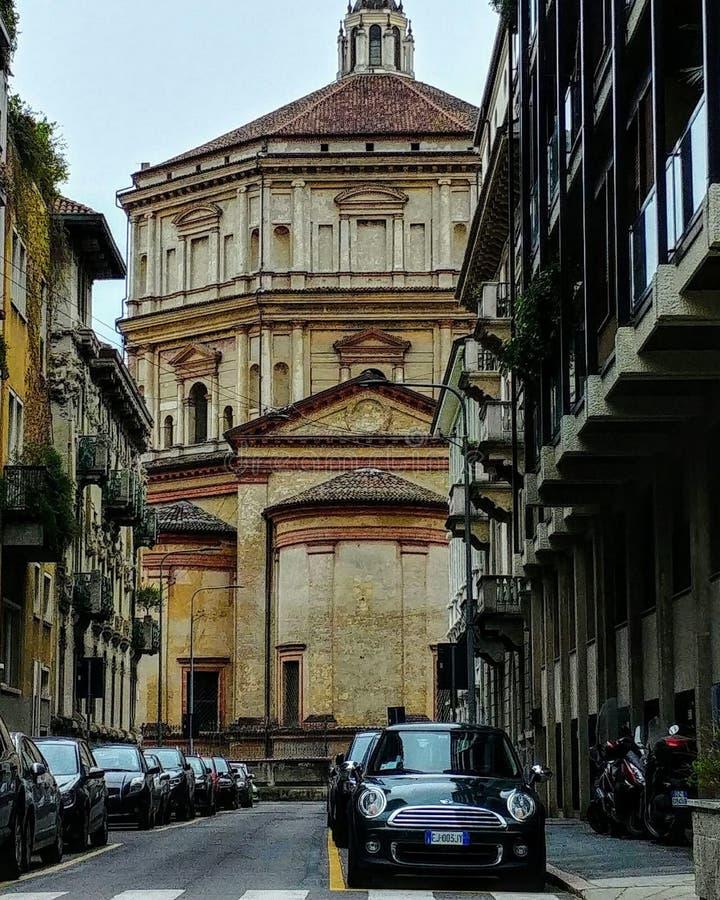 De kerk van Milaan Italië stock afbeeldingen