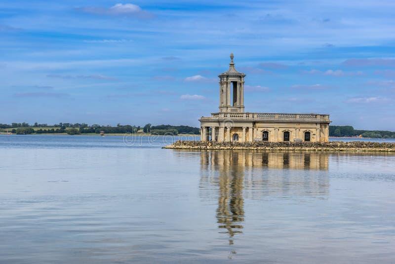 De kerk van Normanton op Water Rutland royalty-vrije stock afbeelding