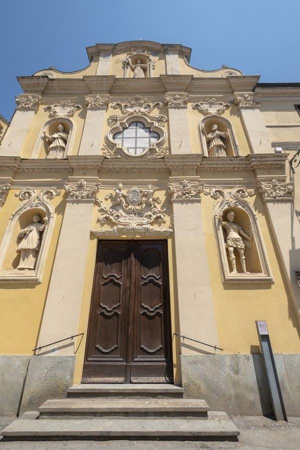 De kerk van San Bernardino in Crescentino, Bercelli, Italië stock afbeeldingen