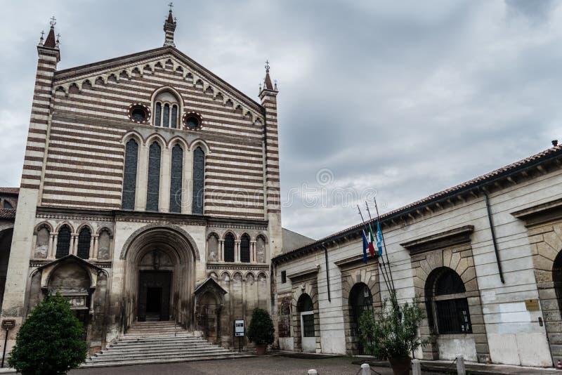 De Kerk van San Fermo in Verona, Italië royalty-vrije stock afbeeldingen