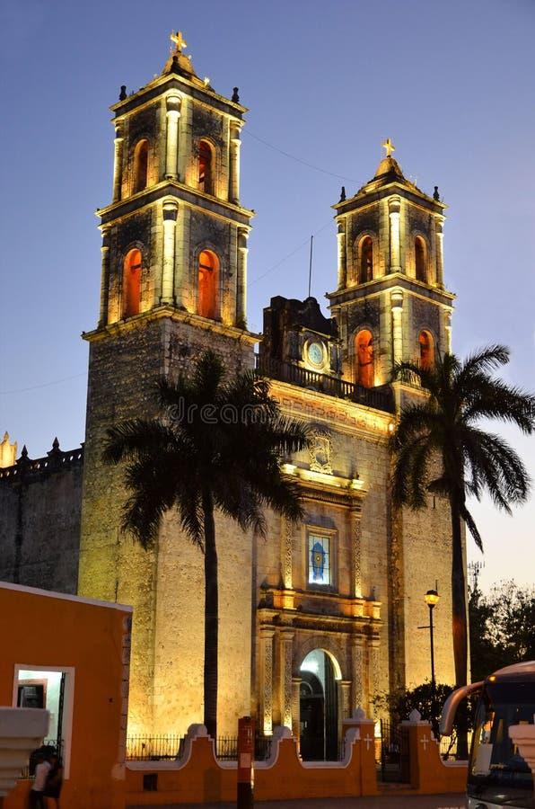 De kerk van San Gervasio Valladolid Catholic in de recente avond royalty-vrije stock afbeeldingen