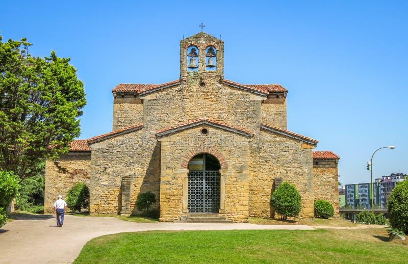 De kerk van San Julian DE los Prados in Oviedo, Asturias royalty-vrije stock afbeeldingen