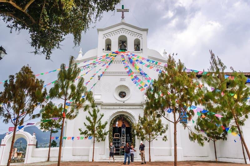 De kerk van San Lorenzo de Zinacantan, Mexico stock fotografie