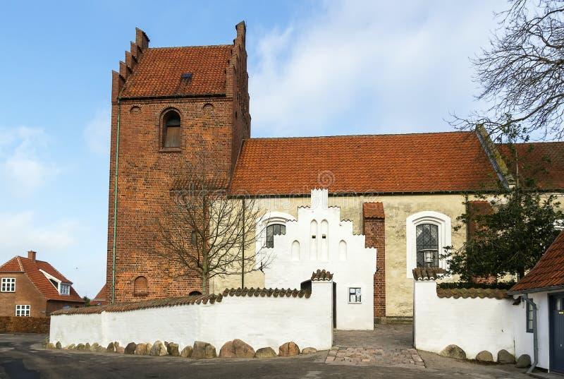 Download De Kerk Van Sanktjorgensbjerg, Roskilde Stock Afbeelding - Afbeelding bestaande uit godsdienst, rood: 39100789