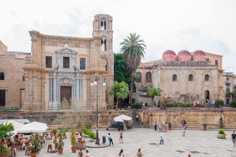 De kerk van Santa Maria-dell ` Ammiraglio, riep algemeen Martorana en San Cataldo in Palermo royalty-vrije stock foto's