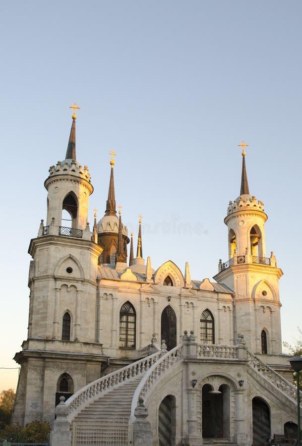 De Kerk van Vladimir Icon van de Moeder van God een beroemd monument van de 18de eeuw Russische pseudo-gotisch in het dorp o royalty-vrije stock foto's
